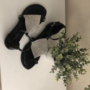 TAHARI SANDALS WORN ONCE Flats with ankle straps.